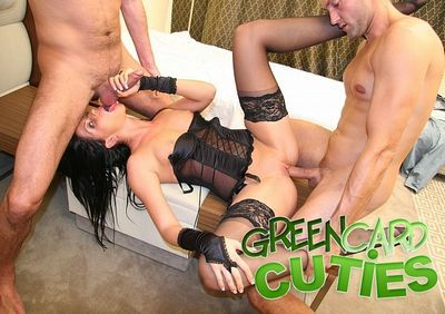 Green Card Cuties download